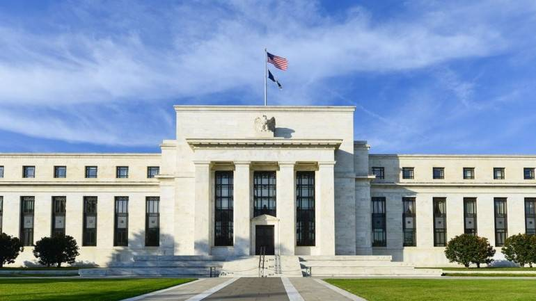 Rising interest rates were supposed to help banks. They are hurting many of theminstead
