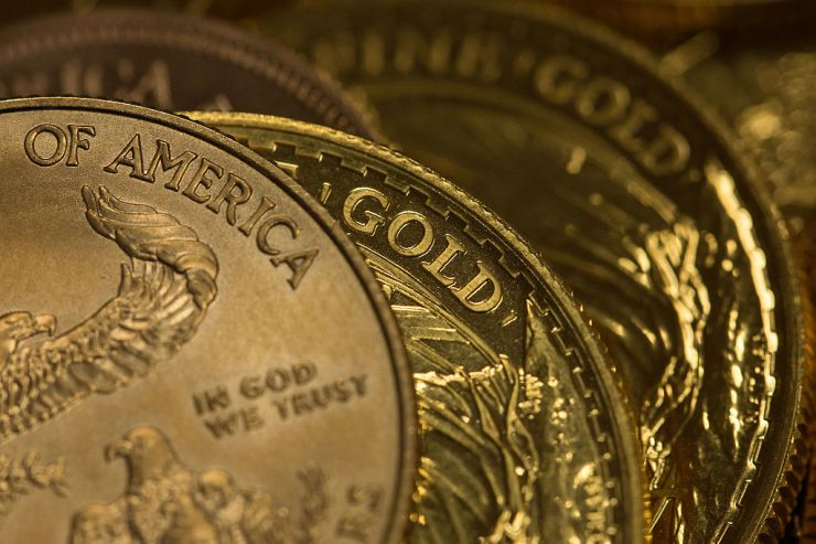 Gold Prices Rose On Monday As Investors' Appetite For Riskier Assets Faded On Concerns About A  Potential U.S.Recession