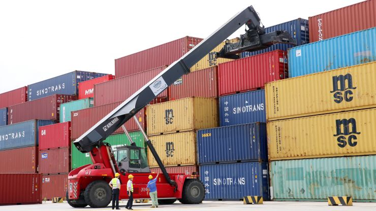 China's Exports Unexpectedly Rise inJuly